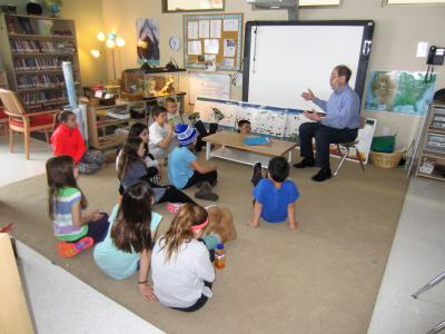 storytelling in the montessori classroom Educational web site, designed for teachers, librarians, and students,explores the use of storytelling in the classroom to enhance speaking, listening, reading and writing skills.